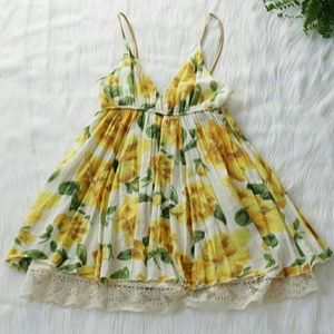 Tops - Beautiful Yellow Floral Top